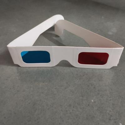 red-cyan 3D glasses